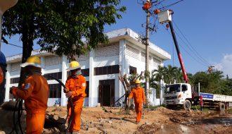 Thi công nâng cấp Nhà máy nước Cầu Đỏ dưới nắng nóng gay gắt